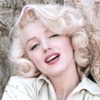 Marilyn-Monroe-Measurements-Height-Weight-Bra-Size-Age-Wiki